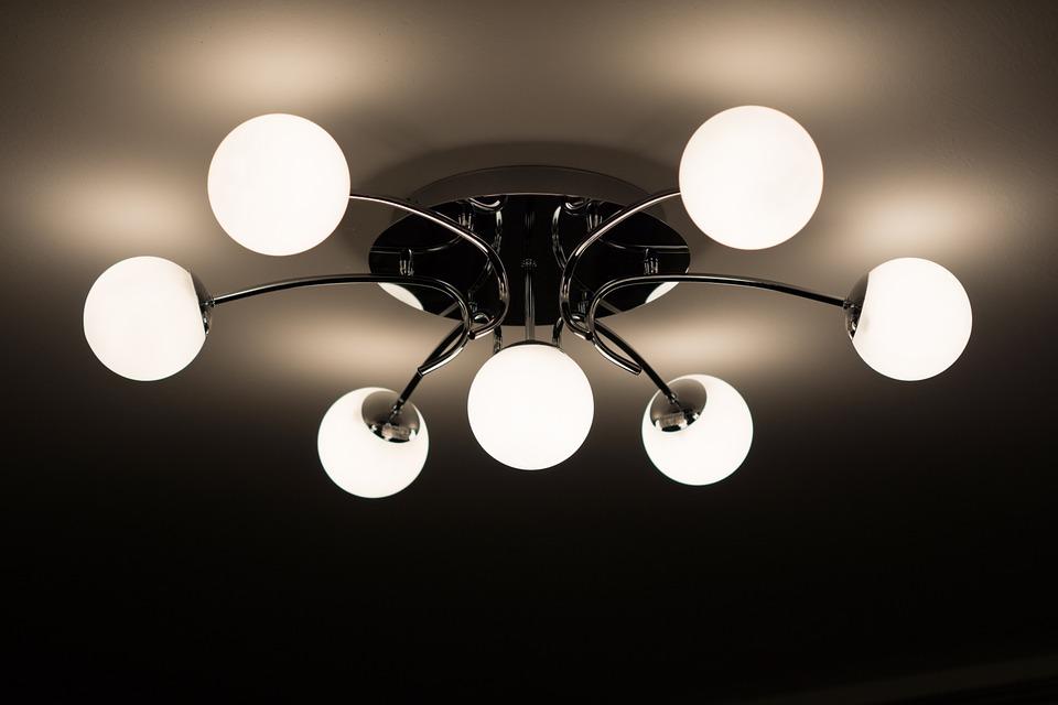 Lysalternativer for høyt tak